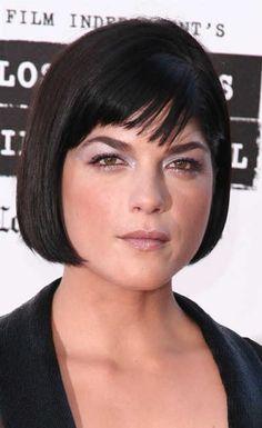 selma-blair-short-black-hairstyle