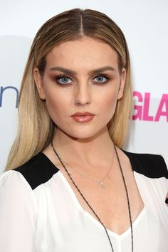 Perrie Edwards rocks a brown smokey eye #SmokeyEyes #BeautyTrends #CelebMakeup