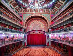 Candida Höfer, la grandeza de México en el lente de la artista alemana-Teatro Juárez Guanajuato I 2015 / © Candida Höfer / VG Bild-Kunst