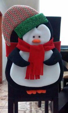 Best 12 Aprende hacer cajas navideñas de fieltro – SkillOfKing.Com Felt Christmas Ornaments, Christmas Snowman, Christmas Stockings, Christmas Holidays, Christmas Projects, Decor Crafts, Diy And Crafts, Christmas Crafts, Christmas Chair Covers