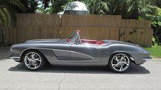 Beautiful 1961 Chevrolet Corvette 6 Speed-556HP Chevrolet Corvette, 1961 Corvette, Old Corvette, Classic Hot Rod, Chevy Muscle Cars, Corvette Convertible, Classy Cars, Classic Motors, Retro Cars
