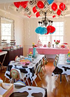 awesome decorations for farm theme - need to do the table cloths using butcher paper and paint..