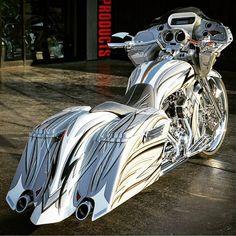 harley davidson road glide black parts Harley Bagger, Bagger Motorcycle, Harley Bikes, Harley Davidson Motorcycles, Girl Motorcycle, Motorcycle Quotes, Custom Street Bikes, Custom Sport Bikes, Triumph Motorcycles
