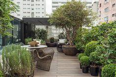 Lounge das Jabuticabeiras: Jardins modernos por Denise Barretto Arquitetura