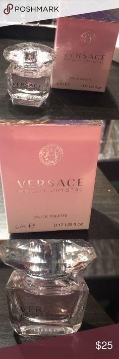 Versace bright crystal eau de toilette 5ml Versace bright crystal eau de toilette dapper (new) Versace Other
