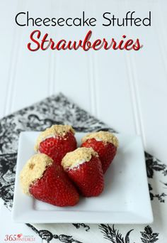 Easy Snacks You Can Make In Minutes - Cheesecake Stuffed Strawberries - Quick Recipes and Tricks for Making After Workout and After School Snack - Fast Ideas for Instant Small Meals and Treats - No Bake, Microwave and Simple Prep Makes Snacking Fun Best Dessert Recipes, Sweets Recipes, Easy Desserts, Delicious Desserts, Snack Recipes, Easy Recipes, Quick Dessert, Fruit Dessert, Lemon Recipes