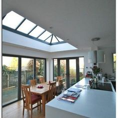28 Marvelous Charming Glass Roof Design Can Penetrate Light From Sky - Page 24 of 30 Glass Roof Extension, House Extension Design, Garage To Living Space, Open Plan Kitchen Living Room, Small Space Interior Design, Interior Design Living Room, Roof Design, House Design, Kitchen Diner Extension