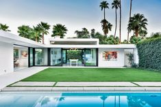 Mid-century architecture: Let's get inspired by the best mid-century modern architecture examples in Palm Springs, California! Palm Springs Houses, Palm Springs Style, Residential Architecture, Contemporary Architecture, Architecture Design, Architecture Today, Innovative Architecture, Contemporary Design, Bungalow