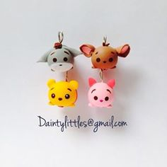 polymer clay charm tsum tsum - Google Search Polymer Clay Figures, Polymer Clay Animals, Polymer Clay Miniatures, Polymer Clay Projects, Polymer Clay Creations, Clay Crafts, Disney Clay Charms, Polymer Clay Disney, Cute Polymer Clay