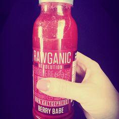 Lecker schmecker  #berry #berrybabe #rawganic #strawberry #cherry #raspberry #citrus #vegan #loveyourself #loveit #drink #lowcarb #today #hamburgmeineperle #hamburg #nice #happy #delicious #tasty by motzi_nono