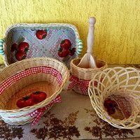 sada košíků TOMATO (možno koupit i jednotlivé kusy) the set of baskets TOMATO (possible to buy as individual pieces)