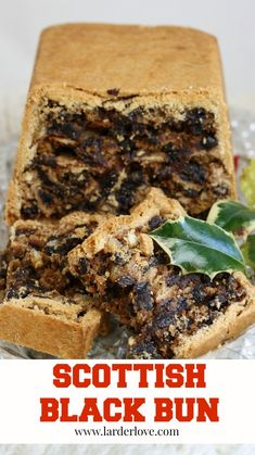 This is a traditional Scottish recipe for Black Bun, a cake that is served at New Year in Scotland and goes back hundreds of years. Loaf Recipes, Baking Recipes, Black Bun, Bun Cake, New Year's Cake, Scottish Recipes, Cake Fillings, Bun Recipe, Cake Tins