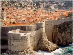 Dubrovnik is a city on the Adriatic coast in the extreme south of the Croatian. According to the census 2011th has 42,641 inhabitants (extends to 21:35 km2). 1979. Dubrovnik's old town listed on UNESCO World Heritage list. Town Day is celebrated on February 3, the day of St. Blaise, patron of Dubrovnik. The city is known for having been an independent state in the period from 1358th to 1808th (the Dubrovnik Republic). After this brief was under French rule, and later was part of the Habsburg…