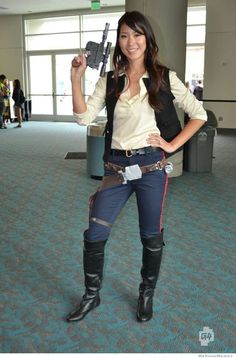 gender-swap-han-solo-cosplay-from-2012-comic-con.jpeg (606×921)