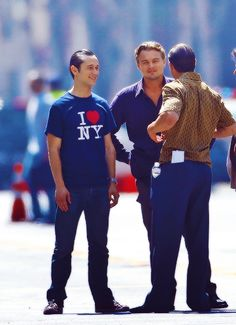 Leonardo Dicaprio, Joseph Gordon-Levitt, and I'm pretty sure Tom Hardy with his back to the camera. Most likely on the set of Inception. Leonardo Dicaprio Photos, What Makes A Man, Joseph Gordon Levitt, Leo Love, Tom Hardy, Celebs, Celebrities, Lady Gaga, Future Husband