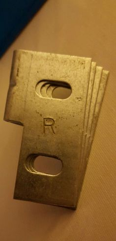 NOS 1986 - 1991 FORD TAURUS MERCURY SABLE RH HEADLIGHT BRACKET Qty: 4 E6DZ-13A00 #Ford