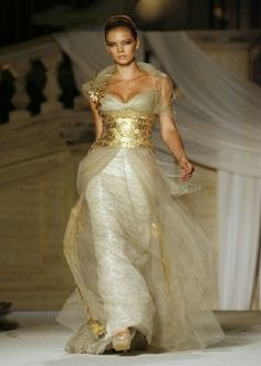 Abed Mahfouz - Rome Fashion Week Haute Couture Autumn/Winter 2008 - for when you need to look like a goddess! Style Couture, Couture Fashion, Beautiful Gowns, Beautiful Outfits, Gorgeous Dress, Beautiful Things, Elegant Dresses, Pretty Dresses, Rome Fashion