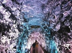 You Can Go On A Magical Walk Through This Glowing Rock Tunnel In Ontario - Narcity Ontario Getaways, Ontario Travel, Canada Travel, Small Towns, Road Trips, Cherry Blossom, Awakening, Places To Go, Glow