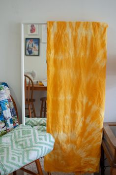 Diy Tie Dye Curtains, Tie Dye Bedroom, Natural Dye Fabric, Natural Dyeing, Ikea Couch Covers, Fabric Dyeing Techniques, How To Dye Fabric, Dyeing Fabric, Bohemian