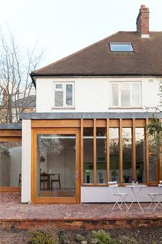 Modern extension to an early century semi-detached house in Lambeth. Architecture Extension, Architecture Design, Garden Architecture, House Extension Design, Extension Designs, 1930s House Extension, Building Extension, Building Building, Side Extension