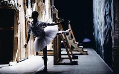 The tutu we are talking about in this article refers to the tutu skirt, which is made of short and stiff tulle. There are many reasons why a ballerina's tutu looks so breathtaking. Here are o…