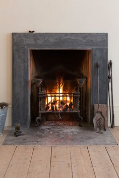 Hottest Photos victorian Fireplace Hearth Ideas Wonderful Photos victorian Fireplace Hearth Popular A fireplace hearth is definitely the working Fireplace Fender, Fireplace Hearth, Fireplace Inserts, Fireplace Surrounds, Fireplace Design, Fireplace Ideas, Hearth Stone, Fireplace Garden, Georgian Fireplaces