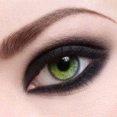 ojos verdes_smokey negro