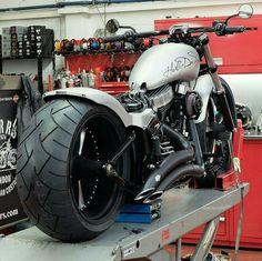 Custom Choppers, Custom Harleys, Custom Motorcycles, Custom Bikes, American Chopper, Motorcycle Outfit, Hummer, Harley Davidson Motorcycles, Sport Bikes