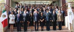- Mujeres y hombres dedicados con pasión a la ley, a su correcta aplicación, a favor de la paz y...