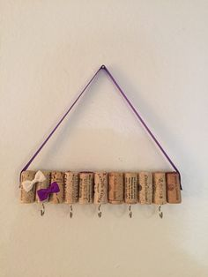 Vin Cork Jewelry Display 7 crochets par WineGlassCraft sur Etsy