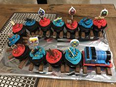 Thomas the tank cupcake train Thomas Birthday Parties, Thomas The Train Birthday Party, Trains Birthday Party, Birthday Party Themes, Train Party, Birthday Ideas, Toddler Birthday Cakes, First Birthday Cupcakes, Boy Birthday