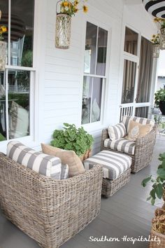 Home Interior Decoration Ballard House front porch This is cute! 1 for U 1 for HY sharing ottoman!Home Interior Decoration Ballard House front porch This is cute! 1 for U 1 for HY sharing ottoman! Outdoor Rooms, Outdoor Furniture Sets, Outdoor Decor, Rustic Furniture, Garden Furniture, Modern Furniture, Furniture Making, Furniture Design, White Wicker Patio Furniture