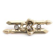 Deze antieke Biedermeier broche vind je bij Aurora Patina, de leukste sieraden webshop van Nederland!