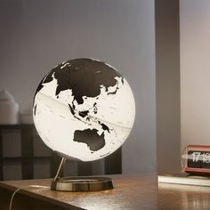 The World, Illuminated by Räthgloben #MONOQI #globe