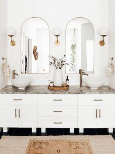 Bathroom Interior Design, Home Interior, Interior Modern, Modern Luxury, Interior Ideas, Bohemian Bathroom, Indian Bathroom, Arch Mirror, Bathroom Renos