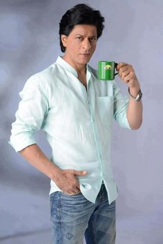Shahrukh Khan for Tata Tea. Shahrukh Khan, Shah Rukh Khan Movies, Srk Movies, Hindi Movies, Roy Kapoor, Sr K, Celebrity Photography, Charming Man, King Of Hearts