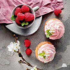 Torta és muffin papírjainkkal most még csinosabbak lehetnek a kedvenc süteményeid. Panna Cotta, Muffin, Ethnic Recipes, Diy, Food, Dulce De Leche, Bricolage, Essen, Muffins