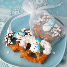 So cute and so fun and probably tasty, too! Wonder if you could do with soft pretzels?