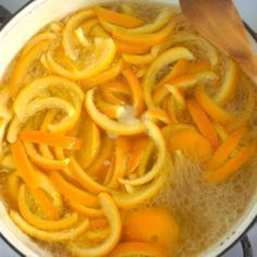 """"""" Nature's Air Freshener: Orange Peels and Cloves"""" Household Hacks That Will Save You Time Everyday Boil Orange Peels, Orange Peels Uses, Candied Orange Peel, Edible Gifts, Gordon Ramsay, Facon, Kitchen Hacks, Natural Remedies, Macaroni And Cheese"""