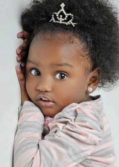 Holiday hairstyles for little black girls Beautiful Black Babies, Beautiful Children, Beautiful Eyes, Natural Hairstyles For Kids, Natural Hair Styles, Pretty Baby, Baby Love, Baby Baby, Cute Kids