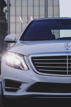 Mercedes Benz S550, Merc Benz, Cool Car Pictures, Mercedes S Class, Top Luxury Cars, Gt Cars, Ferrari Car, Car Engine, Cool Cars
