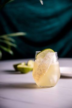 Ever wanted to learn how the experts make a classic Margarita? Look no further as I dive into a Reposado Margarita created with fresh lime and Grand Marnier Drinks Alcohol Recipes, Cocktail Recipes, Alcoholic Drinks, Beverages, You And Tequila, National Margarita Day, Grand Marnier, Margarita Recipes, Classic Cocktails