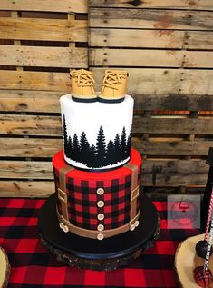 Check out this adorable Buffalo Plaid Lumberjack Baby Shower submitted by Sugar Fetish Cakery. Full of fun decorations and treats, you'll easily be able to recreate this lumberjack baby shower on your own. Buffalo Plaid, Baby Buffalo, Baby Shower Cakes, Baby Boy Shower, Cute Baby Shower Ideas, Boy Baby Shower Themes, Babyshower, Lumberjack Birthday Party, Lumberjack Cake