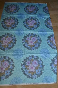 Vintage floral fabric 1970s from Dekoplus by scandinavianseance