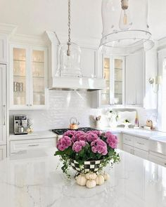 Cute Home Decor Awesome kitchen style are available on our site. Home Decor Awesome kitchen style are available on our site. Home Decor Kitchen, New Kitchen, Home Kitchens, Kitchen Ideas, Kitchen Inspiration, Kitchen Trends, Awesome Kitchen, Design Inspiration, Ivory Kitchen