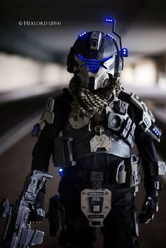 Malaysian cosplayer Craft Access does Titanfall