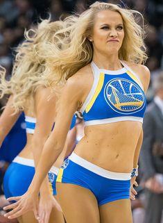 Photos of NBA cheerleaders from the season Hottest Nfl Cheerleaders, Football Cheerleaders, Girls Cheerleader Costume, Cheerleader Images, Cheerleading Uniforms, College Cheerleading, Professional Cheerleaders, 365days, Cheer Pictures
