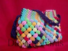 tas tali kur warna warni: My First Macrame Bag