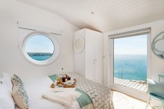 The Edge Beach Cabin Whitsand Bay, Cornish Beach Cabin with Seaviews