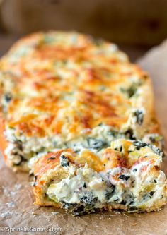 Crispy, crusty french bread gets filled with an extra creamy spinach and artichoke dip. - Spinach and Artichoke Stuffed Bread Bread Appetizers, Appetizer Recipes, Italian Appetizers, Baguette, Creamy Spinach Dip, Spinach Bread, Creamy Rice Pudding, Homemade Soft Pretzels, Banana Bread Recipes